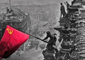 Rote Fahne auf Reichstagsgebäude