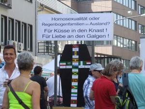 In über 70 Staaten ist Homosexualität illegal. In 7 Staaten werden Homosexuelle hingerichtet.