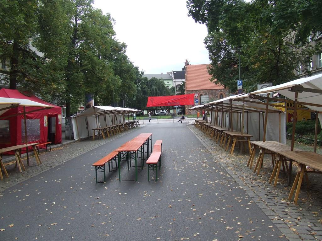 DKP Berlin  Sommerfest 2015 Aufbau. Noch ist nicht viel los, das wird sich aber bald ändern!